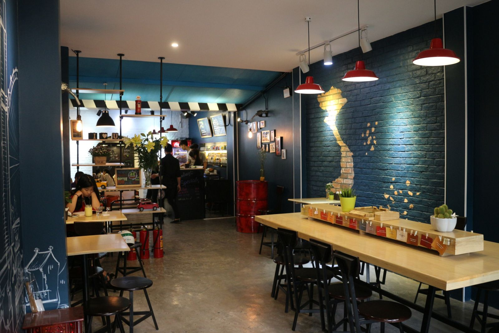 Mẫu đèn led đẹp trang trí quán cafe